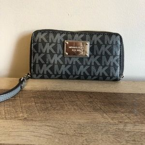 Michae Kors wallet